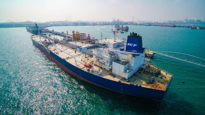 山东港口青岛港外贸原油国际中转首航在西海岸启动.jpg